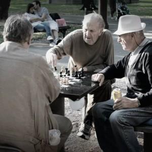 Kalemegdan, Belgrado. Anziani che giocano a scacchi - foto di Sabrina Barbante