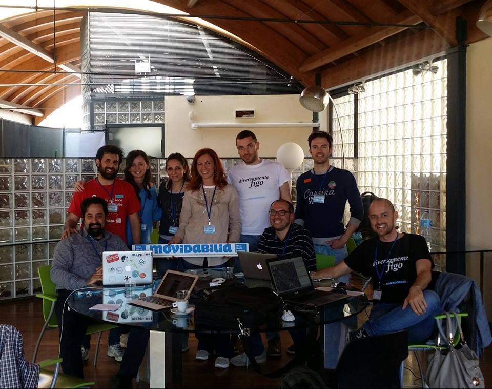 La squadra di Movidabilia, nelle ultime ore dell'Hackathon per rilevare le barriere architettoniche nella città di Lecce