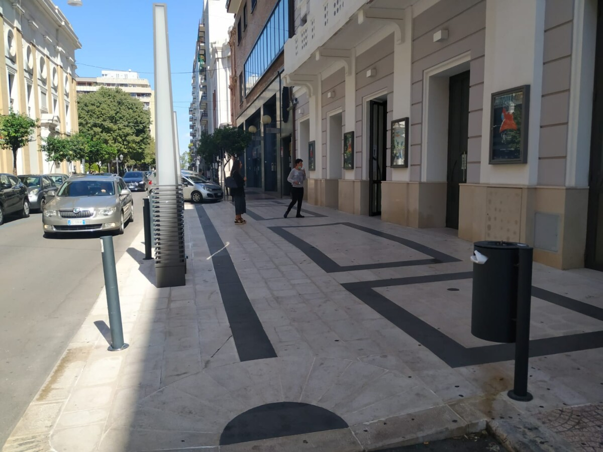 Ingresso teatro taranto_strada lastricata